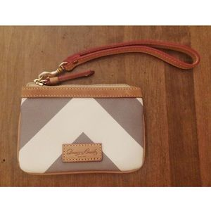 Dooney & Bourke / Authentic Chevron Wristlet